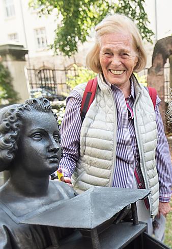 Dr. Ingrid Falkenreck